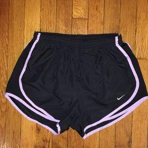Nike Tempo Shorts, Black/Lilac, S